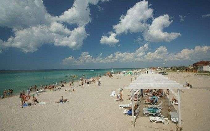Пляж штормового крым песчаные пляжи свободные бесплатные. | 425x680