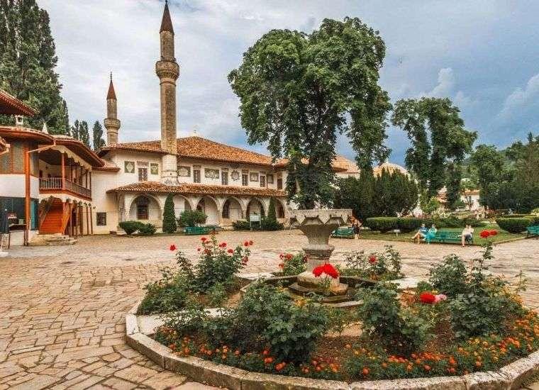 Отдых в Бахчисарае 2021, снять жилье в Бахчисарае без посредников по цене от 500 руб., каталог арендного жилья у Чёрного моря, отзывы отдыхающих.