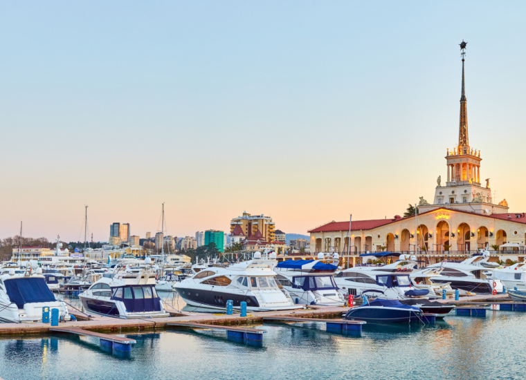 Отдых в Сочи 2021, снять жилье в Сочи без посредников по цене от 400 руб., каталог арендного жилья у Чёрного моря, отзывы отдыхающих.